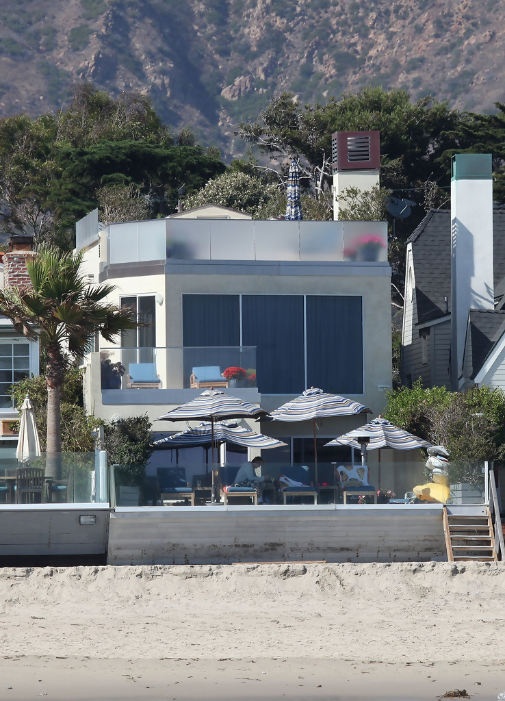 Malibu Beach Celebrity Houses - California - YouTube