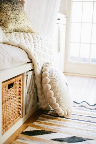 Knit Blanket Photos (1 of 1) []