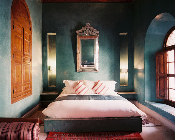 Bedroom ideas photos 22 of 53 lonny for Blue guest bedroom ideas