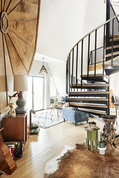 Eclectic Staircase Photos (1 of 20)