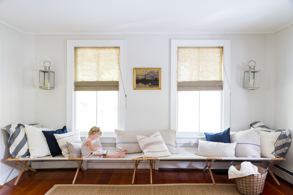 Living Room Canvas Cots Form A Long Bench In Light
