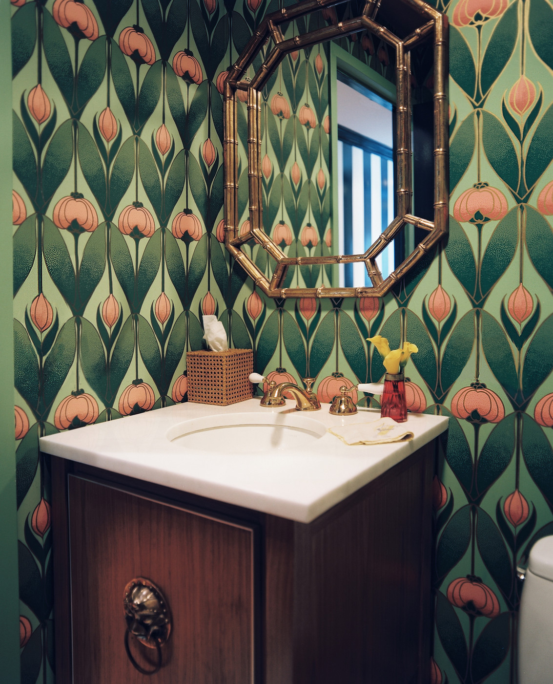 Art deco powder room wallpaper design ideas lonny for Wall and deco