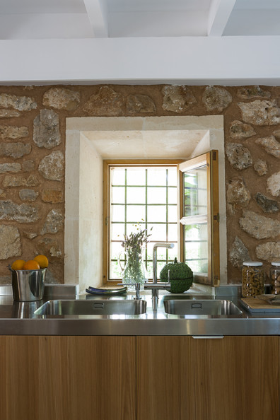 Rustic kitchen photos 36 of 45 lonny for Country living modern rustic issue 4