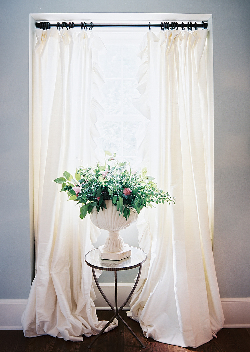 White Flowing Curtains Windows Photos 408 Of 447