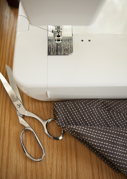 Sewing Machine Photos (1 of 3) []