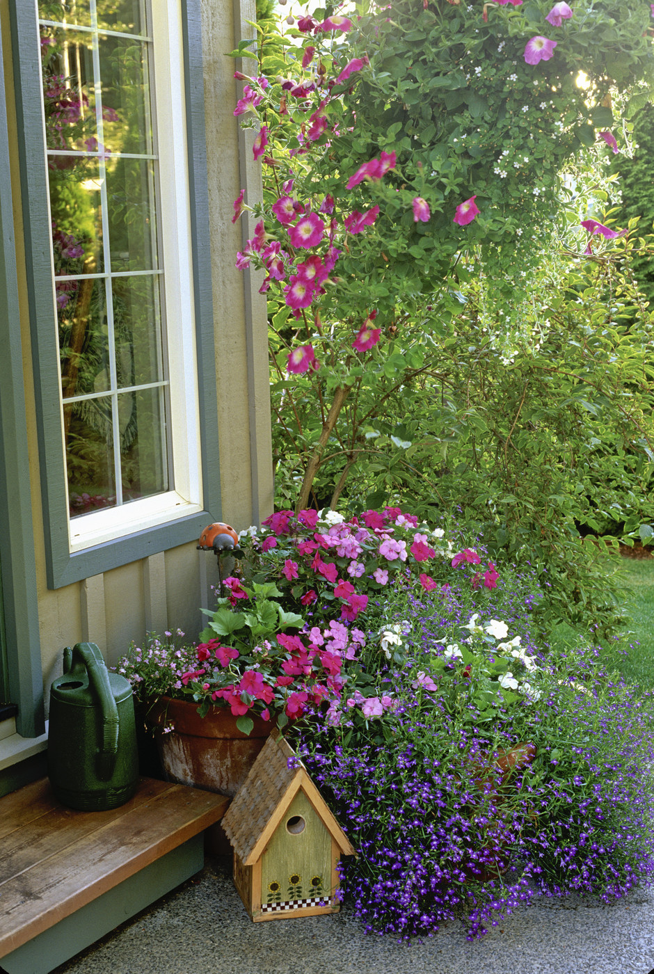 Hanging basket photos design ideas remodel and decor for Potted garden designs