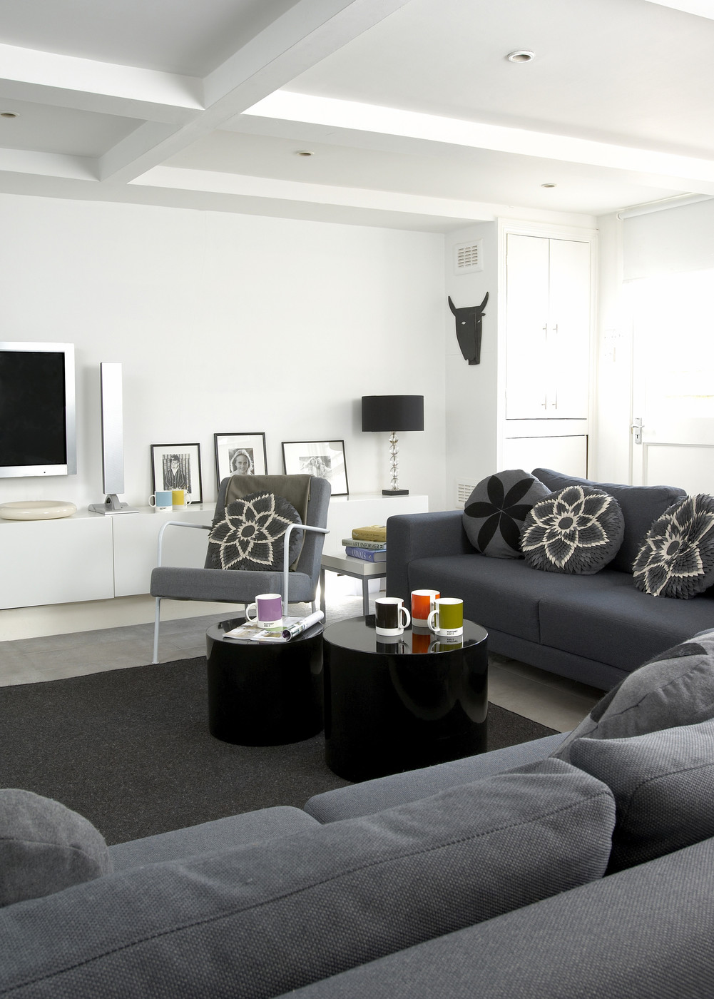 Gray contemporary modern family room living room design for Modern house living room design