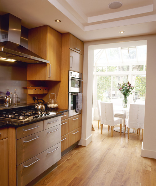 Brown Oak Kitchen Cabinets: Eclectic Modern Kitchen With Honey Oak Cabinets