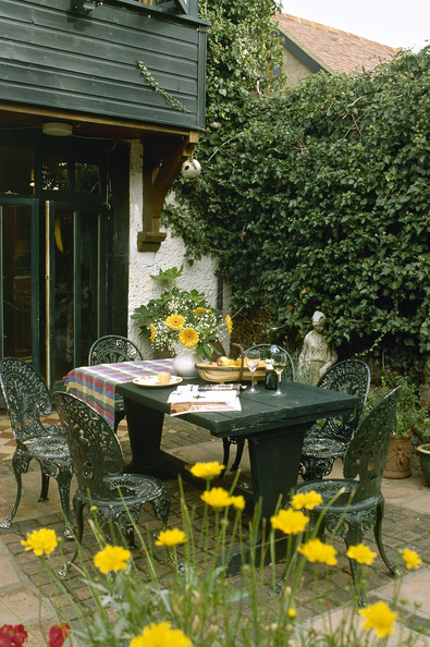Traditional Country Patio