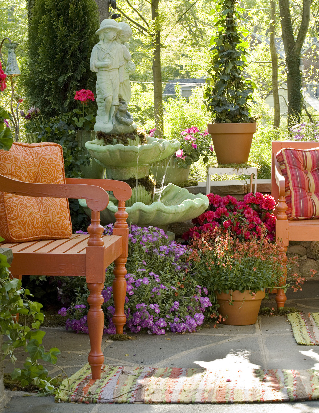 Contemporary patio outdoor patio design ideas lonny for Decorating patio with potted plants