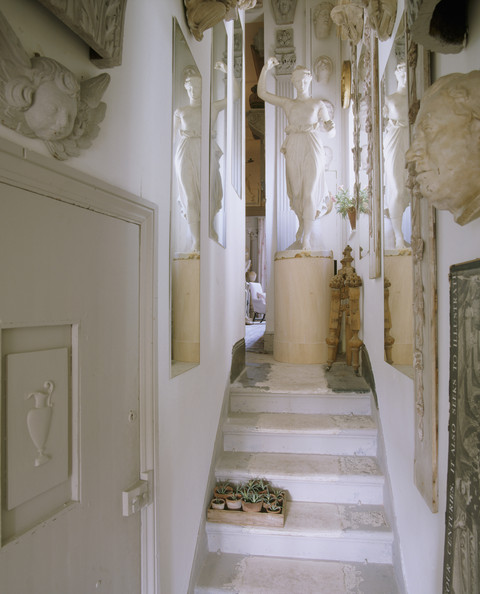 Mediterranean Staircase Photos (9 of 13)