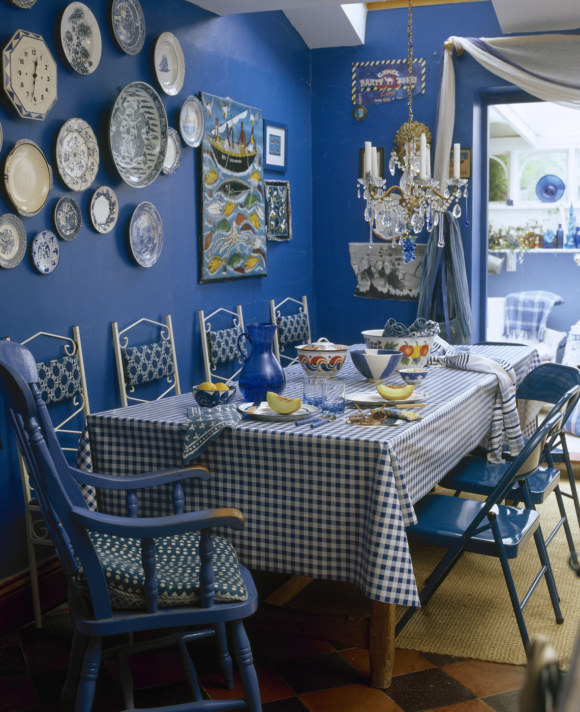 Blue country dining room dining room decorating ideas for Country dining room decor
