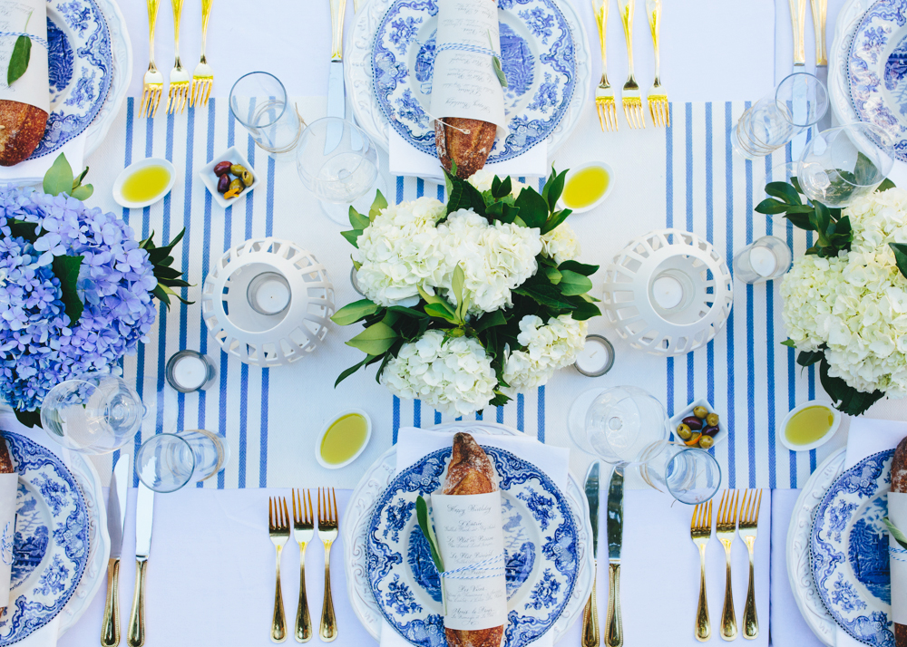 To subtly nod to the French theme, Guérard focused on a traditional blue-and-white palette.
