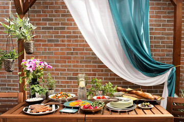 How To: Set Your Table For A Summer Soiree