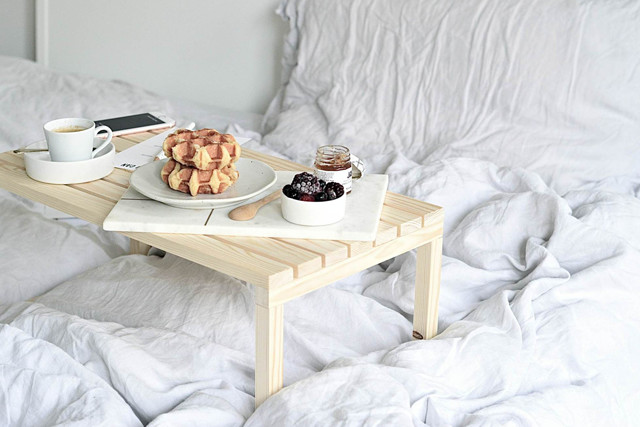 DIY To Try: Breakfast In Bed Table