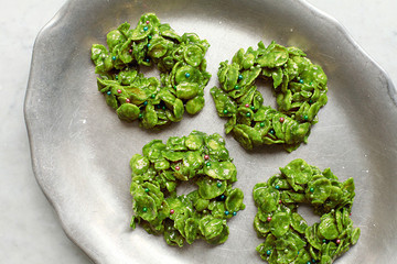 No-Bake Holiday Recipe: Matcha Wreath Cookies