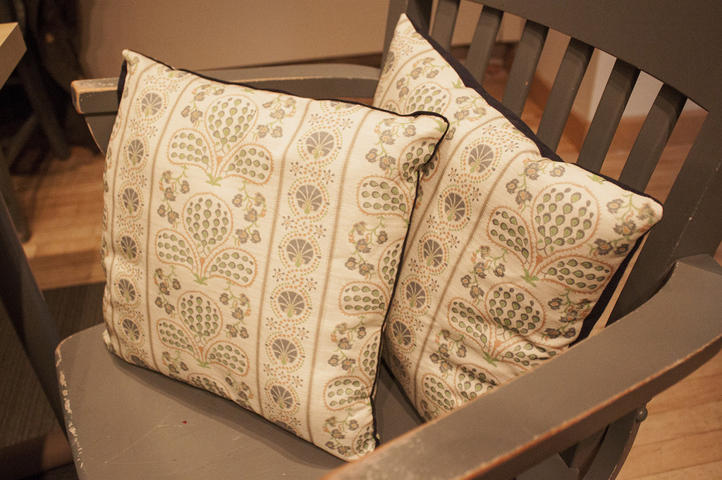 Decorative Pillows Make Your Own : How To Make Your Own Throw Pillows - Lonny