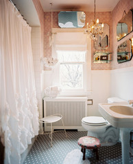 Using Mirrors to Make Your Small Bathroom Feel Bigger