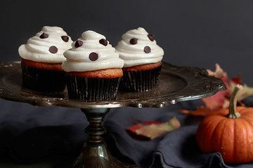 Pumpkin Ghost Cupcakes with Cream Cheese Frosting