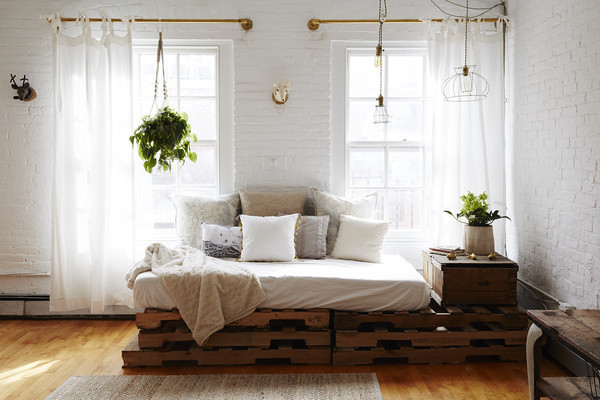 Why You Can't Live Without a Daybed