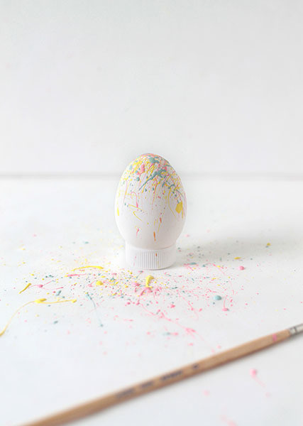 Diy to try paint splattered easter eggs do it yourself projects diy to try paint splattered easter eggs do it yourself projects lonny solutioingenieria Images