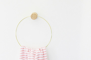 DIY To Try: Wooden Towel Ring