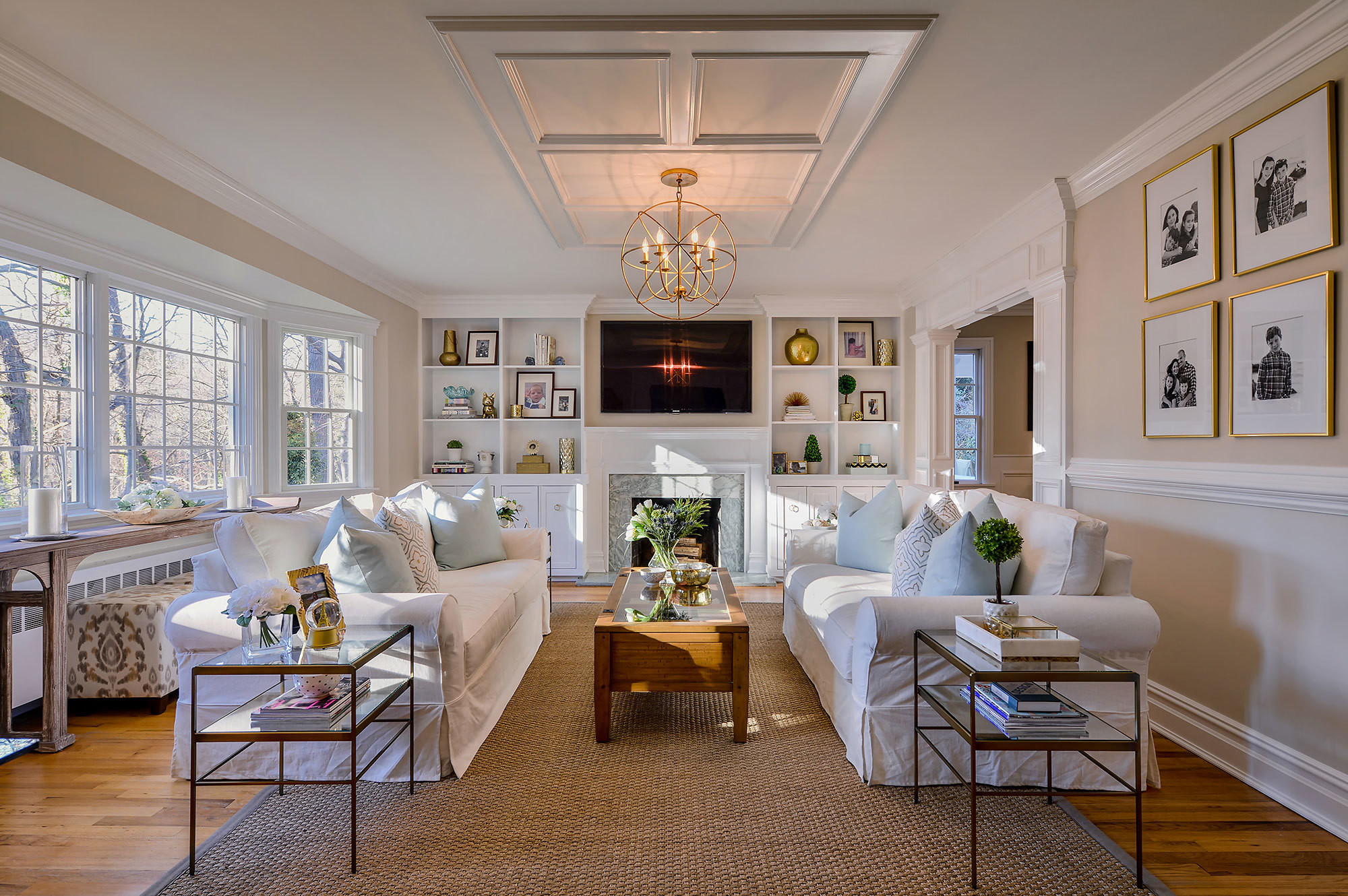 with the help of interior designer jeanne campana fashion designer kara mendelsohn embraced a serene - Home Remodel Designer