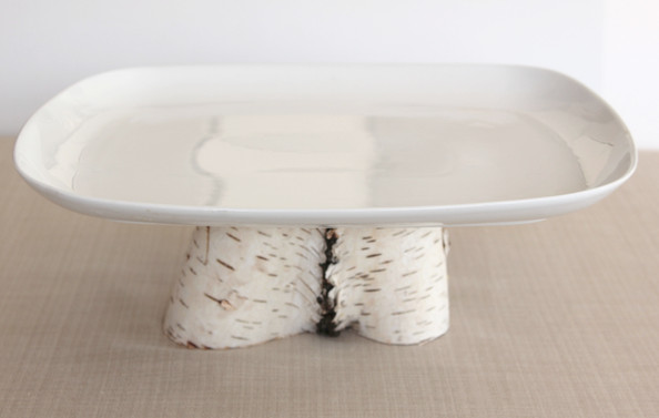 Curve Birch Pedestal Platter in White by Simply Sofie