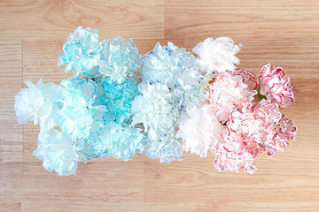 A Red, White, and Blue Flower Centerpiece In 3 Easy Steps