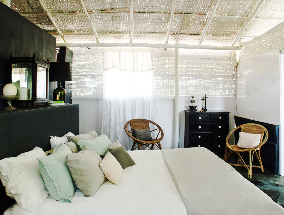 The bedroom and dressing area evoke a latter-day hippie-chic sensibility.