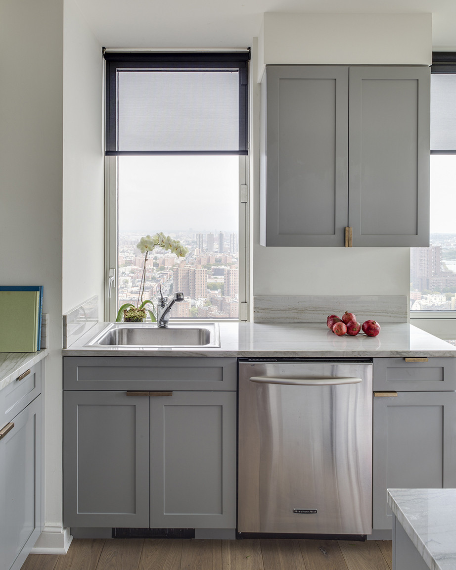 The makeover's only major renovation, the kitchen was outfitted with new contemporary cabinetry.