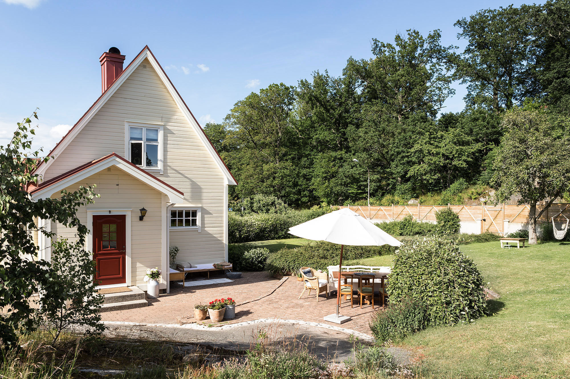 Ulrica Wihlborg and Craig Forrest purchased the1,200-square-foot house as a summer retreatin 2009 and moved there in 2012 with their three young children.