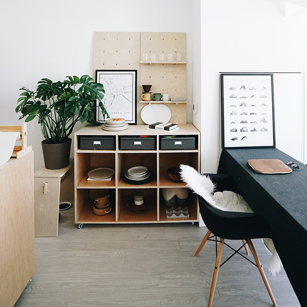 7 space saving tips for tiny apartments lonny - Space saving for small apartments concept ...