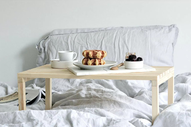 diy to try: breakfast in bed table - do-it-yourself projects - lonny Diy Bed Table