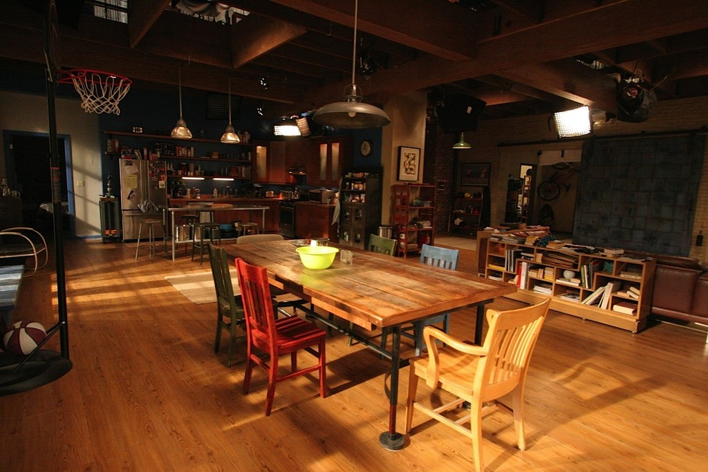The Dining Room Confessions Of A Set Designer New Girl Lonny