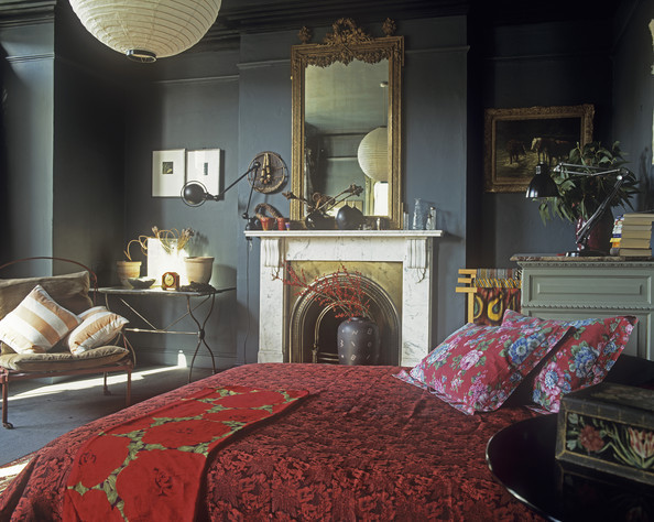 Gray red asian traditional bedroom cool bedroom ideas for Black gray and red bedroom ideas