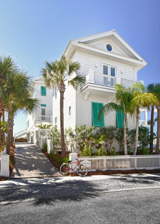 Florida coast dream beach houses from homeaway lonny for Dream home rentals