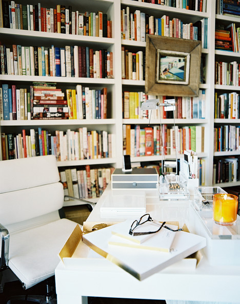Desktop Delight: Tips for a Dynamic & Stylish Workspace