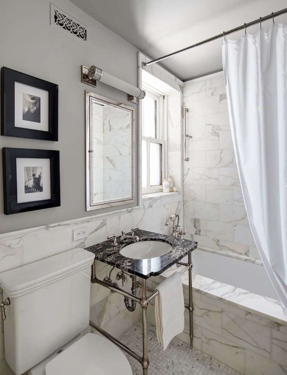 5 tips from an elegant small space bathroom decorating for Elegant small bathrooms