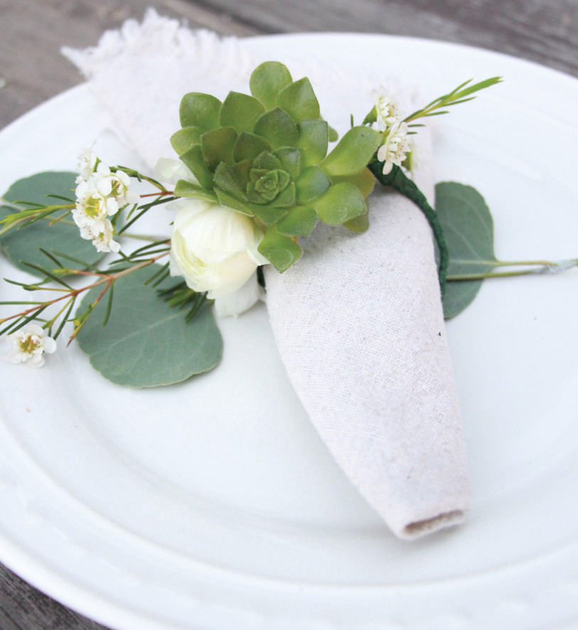 Diy succulent napkin rings for a modern rustic holiday table do it diy succulent napkin rings for a modern rustic holiday table solutioingenieria Images