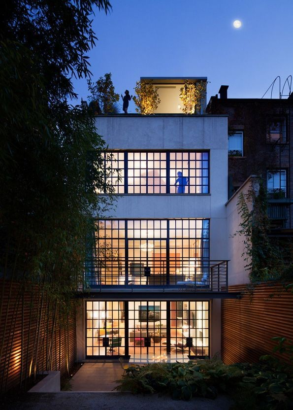 Townhouse by Steven Harris Architects and Rees Roberts + Partners via ArchDaily.