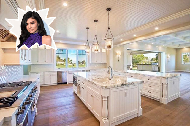 Kitchen Island With Wall Of Windows