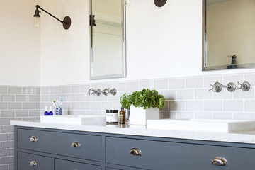 The Best Faucet Style for a Small Bathroom Actually Creates Counter Space