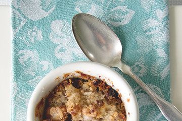 Michael Devine Reports: Celebrating Autumn with Apple Raisin Crumbles