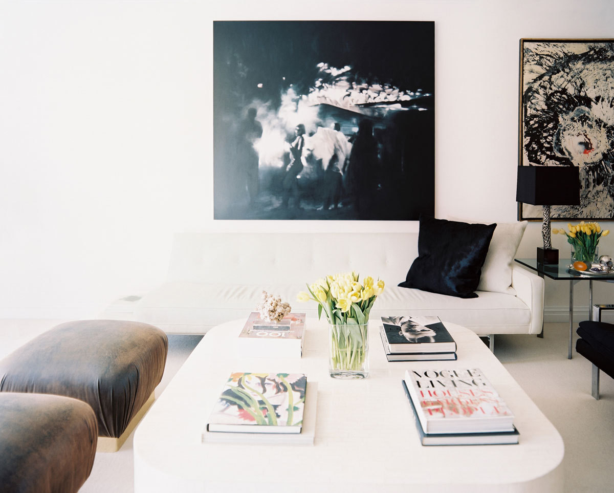 Above the Knoll sofa hangs one of the Garcias' most cherished pieces of art, a photograph taken by their close friend Hope Atherton.