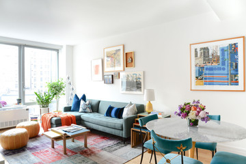 Homepolish Reinvents a Cookie-Cutter Condo with Color
