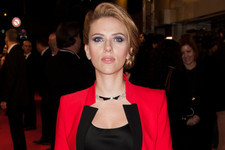 Scarlett Johansson's Pregnancy Haircut, Demi Lovoto Changes Her Hair Again and More