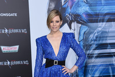 Look of the Day: Elizabeth Banks' Dazzling Sequins