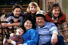 Listen Up, People! A 'Roseanne' Revival Is in the Works