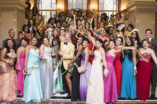 Monte Durham Helps High Schoolers 'Say Yes to the (Prom) Dress'
